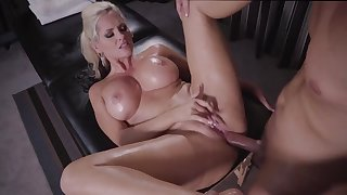 Massage makes Alena Croft to do amazing things with her pussy