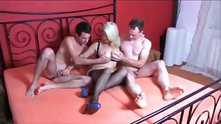 Deutsch milf gets anal and threesome with best friend